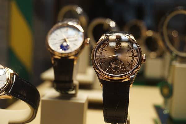 Rolex-Uhr aus einem Uhren Ankauf in einem Schaufenster
